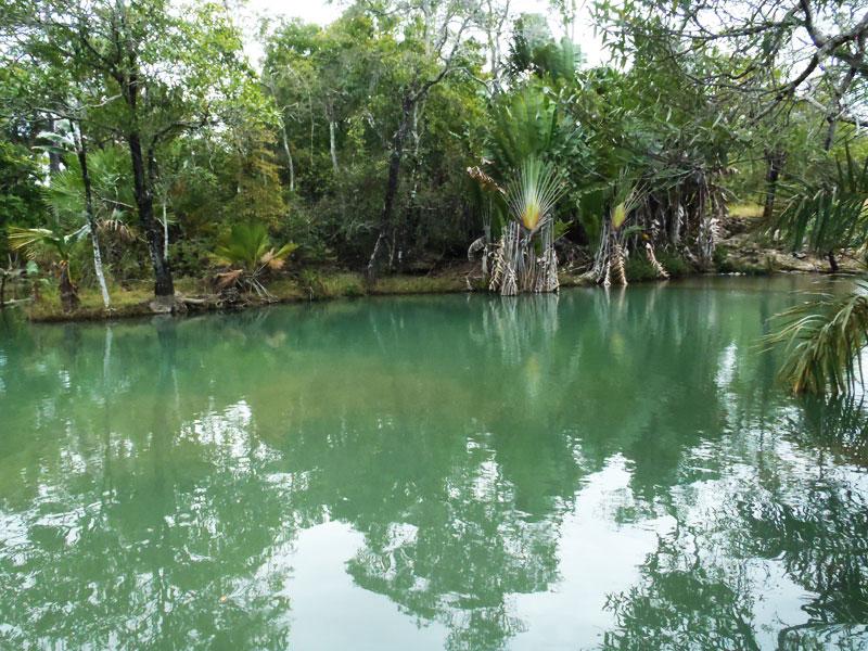 piscine_naturele_grotte